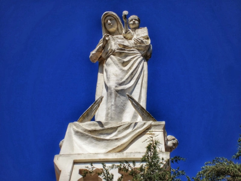 Our Lady of the Ark of the Covenant Church in Kiryat Yaarim sculpture