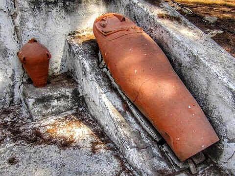 Philistine-street-antropoid-coffin