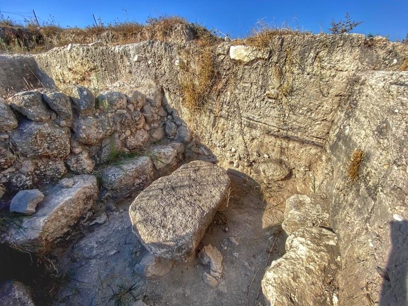 beth shemesh ark stone