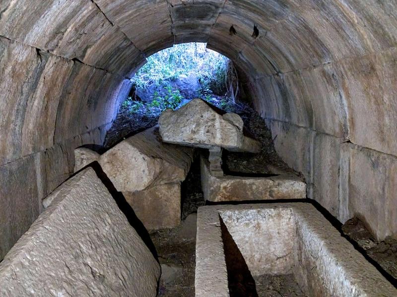 capernaum-mausoleum