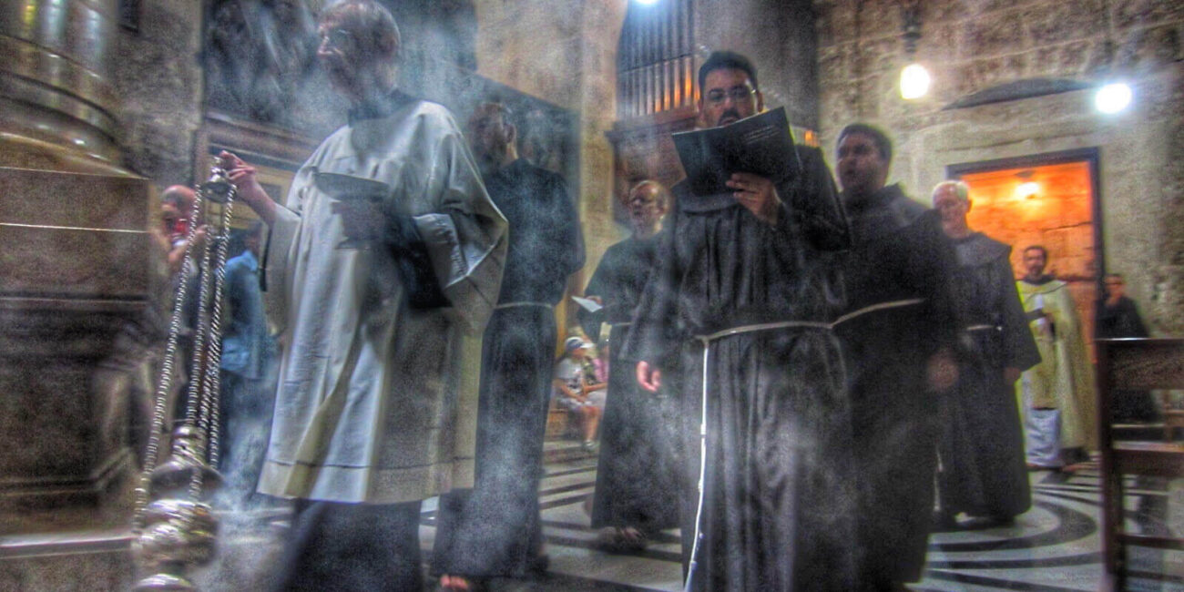 holy-Sepulchre-processions