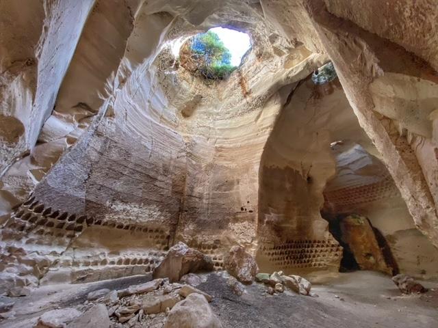luzit-cave