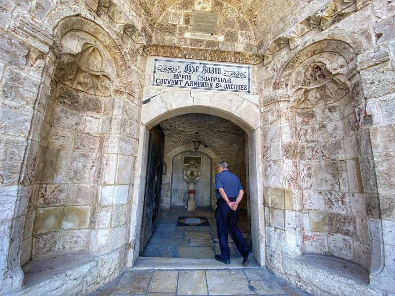 saint james cathedral entrance