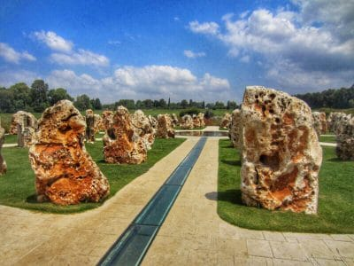 shear yishuv monument