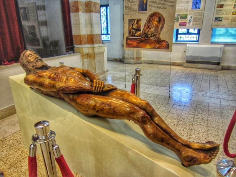 shroud-of-turin-exhibition-jerusalem