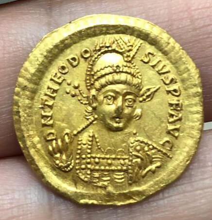 theodosius-ii-obv