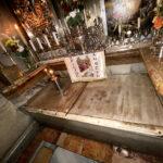 tomb of jesus interior