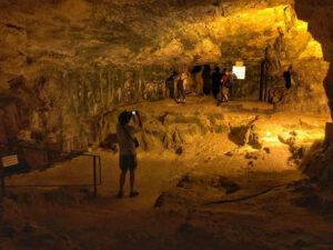 zedekiah cave 1
