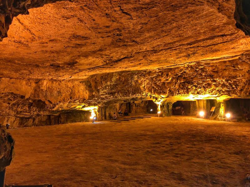 zedekiah cave main hall